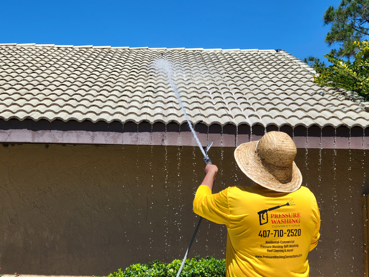 Roof Cleaning Orlando, Winter Park, Windermere, Central Florida